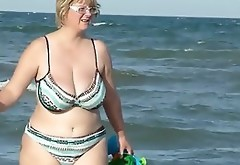 Chubby Mom Spied On The Beach
