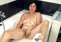 Mature Bush Is Wet And Sexy In The Bathtub