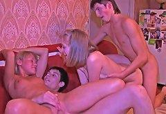 18 Videoz Swinger Sex Warming Up Teens' Cocks And